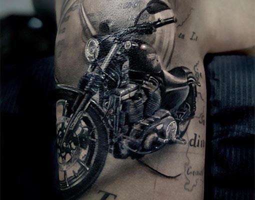 corso tatuaggio e piercing Harley-Davidson ad opera di Pio Sapone